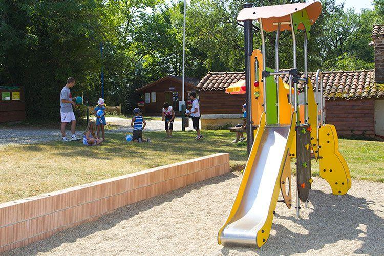 air-de-jeux-camping-albi-tarn-parc-enfants-01