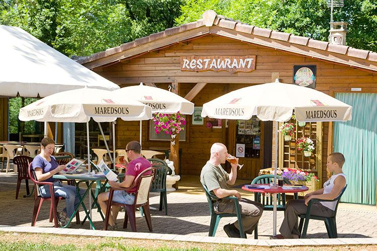 terrasse-extérieur-bar-snack-camping-albi